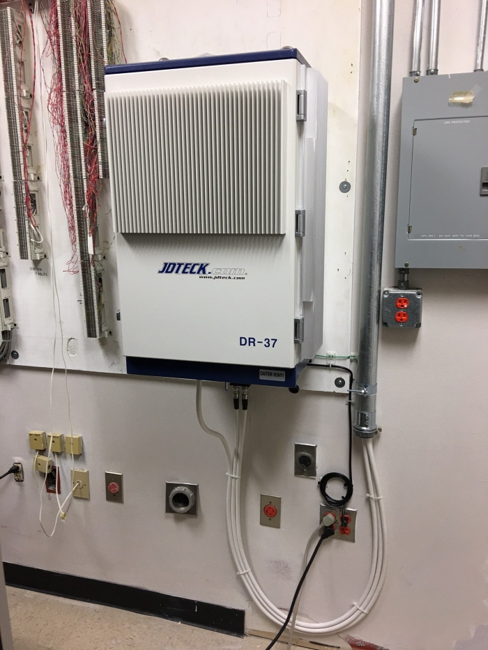 No matter who the customer is, everyone benefits from JDTECK's high quality deployments. Here is a DR37 installed in a communications room at a government facility. Some comment it's the most attractive device in the room.