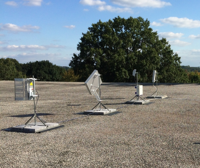 Multiple donor antennas for sites where multi-path azimuths are required for optimal performance.